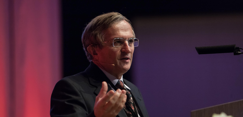 Dr. Albert Bressand